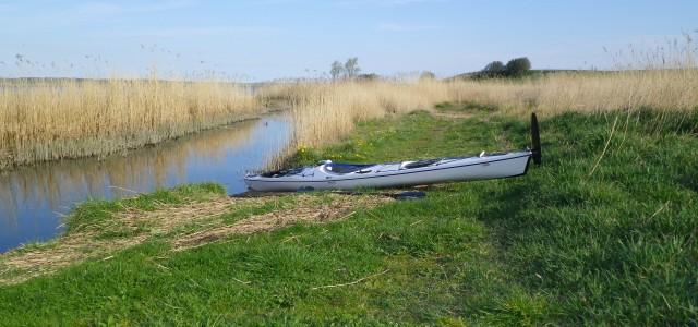 23. april 2014 Lidt blæsevejr i dag skulle ikke ødelægge en god kajaktur, så jeg stod ud fra Salvad Parken nord for Risø, hvor Hove Å løber ud i Roskilde Fjord. Parken er et […]